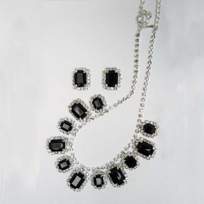 Jet Set Earrings and Necklace Set
